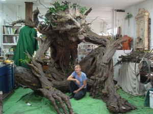Tree-Troll-sculpture-550x412