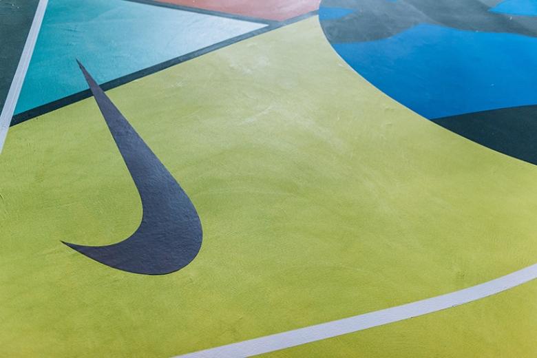kaws-nike-stanton-court-designboom-08